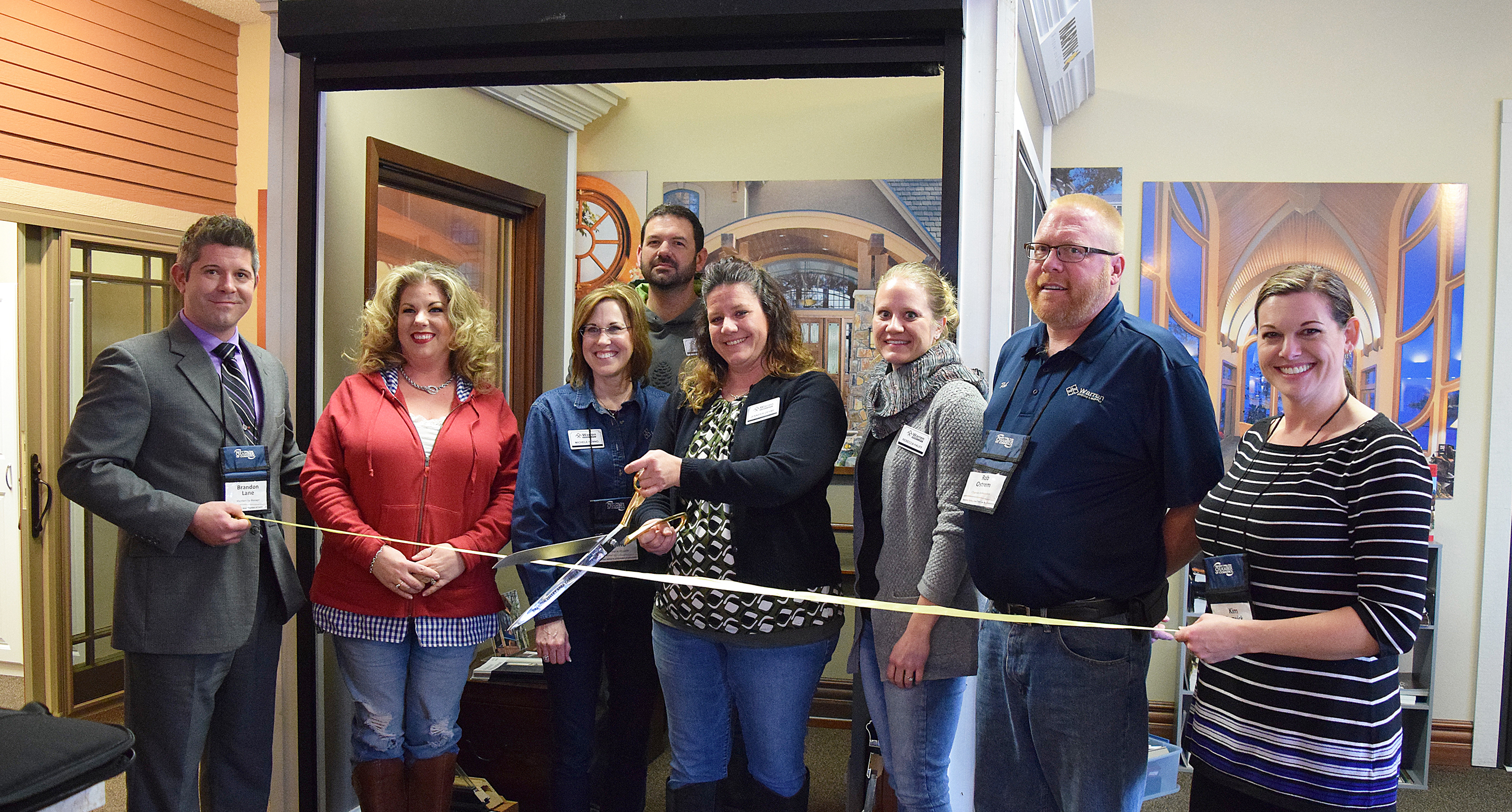 */The Brandon Valley Area Chamber of Commerce welcomed Warren Window & Supply as a new member at a ribbon cutting and mixer Jan. 25 at the business's Sioux Falls location, 7501 E. Arrowhead Pky. Pictured <i>(from left)</i> are BVACC membership manager Brandon Lane, Aubrey LaVigne, Michelle Fenno, Justin Hager, Jennier Oehme, Rebecca Hauff, Rob Ostrem and Kim Cerwick, CEO/president of the BVACC. <strong>Jill Meier/BV Journal</strong>