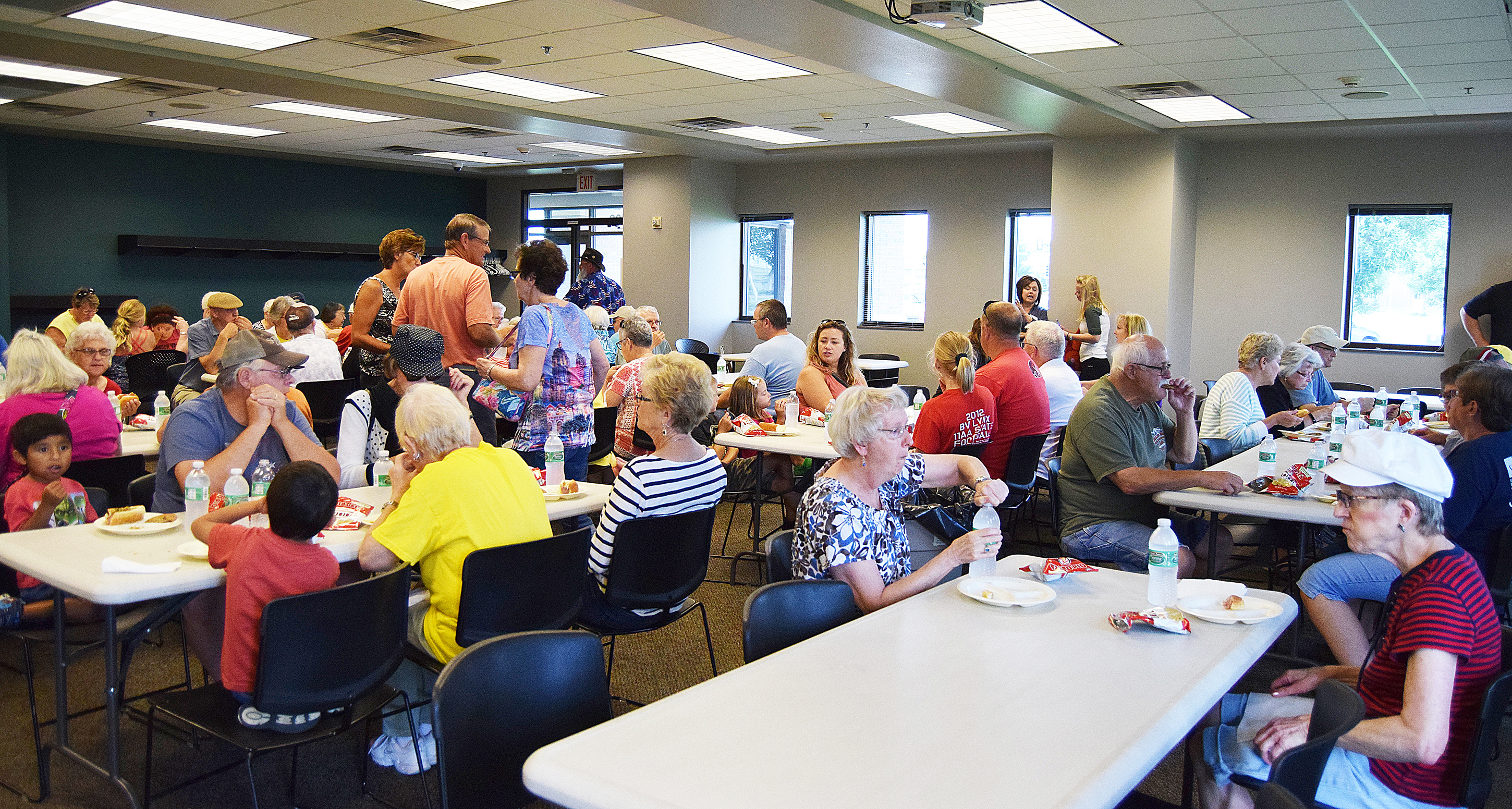 "Sioux Valley Energy served a picnic lunch to hundreds at their Brandon Service Center last week. The picnics are a way for members to ""meet the faces behind the Cooperative."" The Brandon picnic is one of eight picnics the cooperative will host this summer. <strong>Jill Meier/BV Journal</strong>*/"